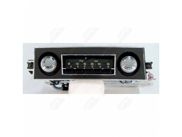 Radio Am/Fm Oe Appearing W/ Dial Front Face