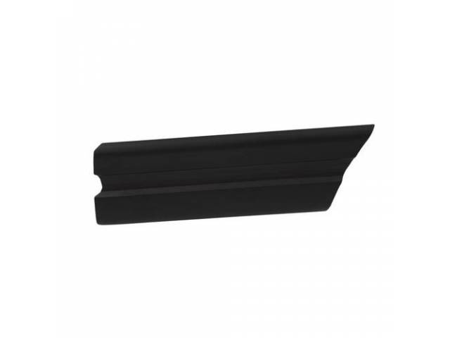 Molding Front Fender Rear Rh Black W/O Pin
