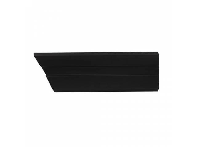 Molding Fender Front Rh Black W/O Pin Stripe
