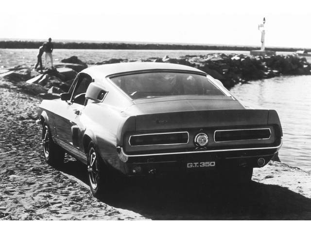 CLASSIC PHOTO, 1967 GT-350 REAR VIEW OCEANSIDE, 12