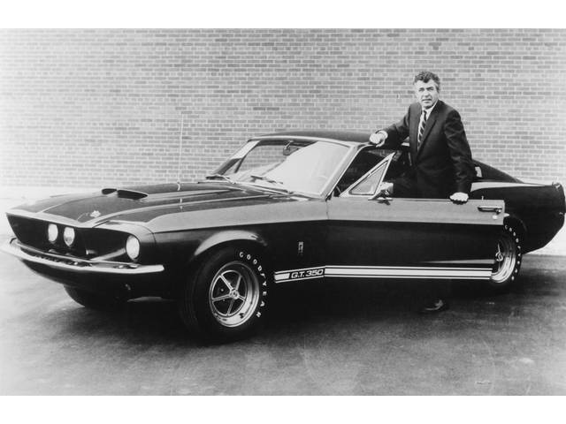 CLASSIC PHOTO, 1967 GT-350 WITH CARROLL SHELBY, 12