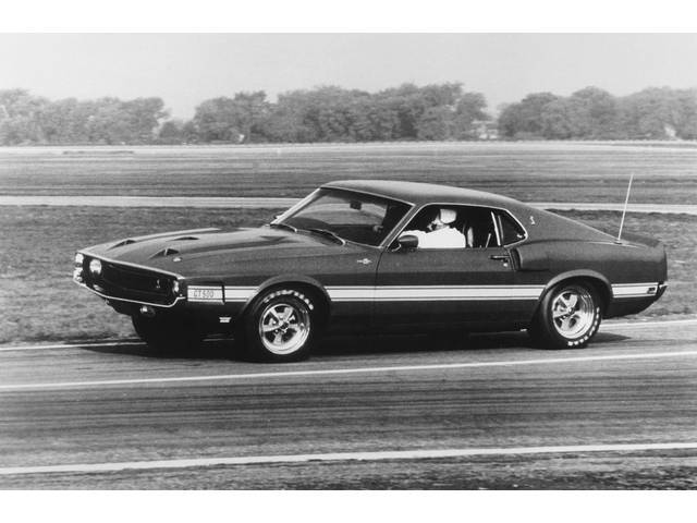 CLASSIC PHOTO, 1969 GT-500 AT SPEED ON TEST